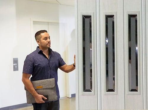 דלתות מתקפלות במשרדים