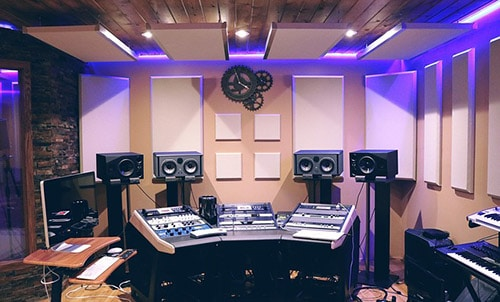חדר מוסיקה עם אקוסטיקה